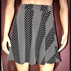 C. RUSSE • Abstract Chevron Skirt / size (L)